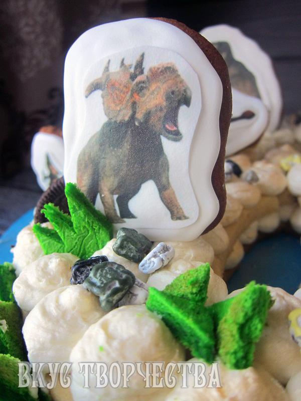 шоколадные камни в декоре торта